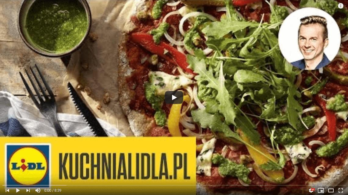 Razowa pizza kresowa zpieczonymi warzywami iziołowym pesto – Karol Okrasa – Przepisy Kuchni Lidla