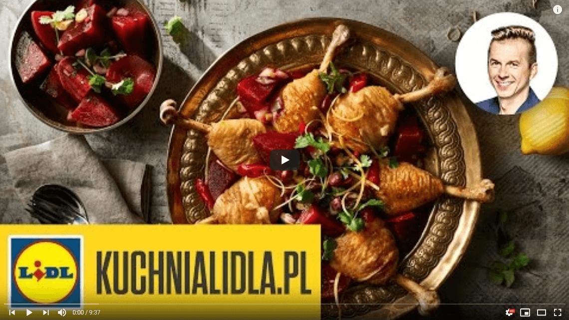 Podudzia kurczaka wsosie zfasolą zsałatką zburaków – Karol Okrasa – Przepisy Kuchni Lidla